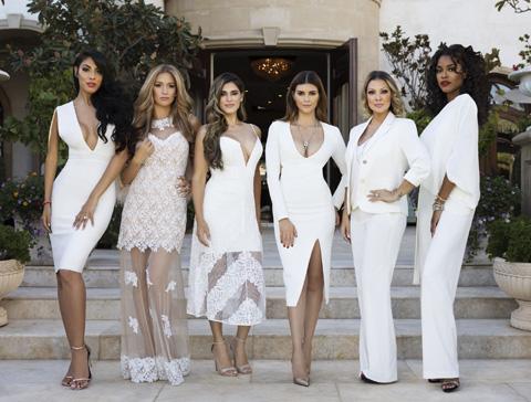 (左から)タニア、モリサ、ショーナ、シヴァ、ケイティ、ヴェロニカ
